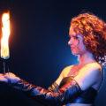 Feuerkünstlerin Anna Carave Gonzalez von Project PQ