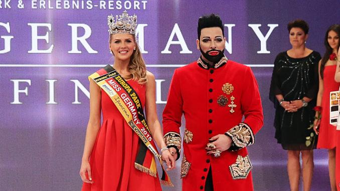 Harald Glööckler krönt Olga Hoffmann zur Miss Germany 2015