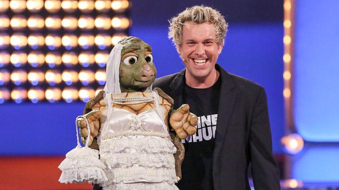Sascha Grammel mit Handpuppe Josie