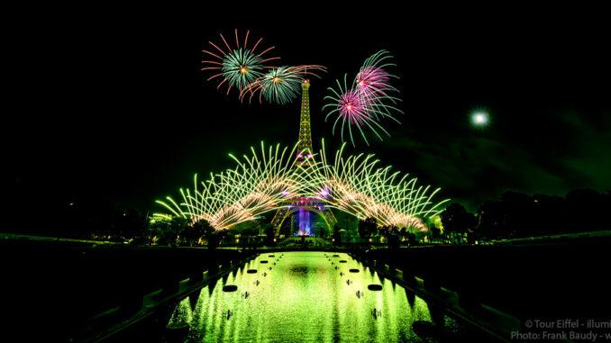 Feuerwerk in Paris auf dem Eiffelturm 2019