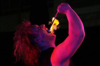 Stuttgart-leuchtet-Feuershow