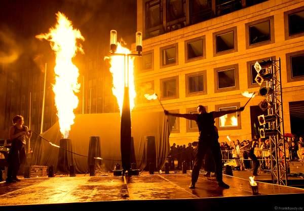 Feuershow von Feuershow.de bei Stuttgart leuchtet