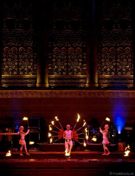 Feuershow der firedancer bei der World of Events Night 2008 im Kurhaus Wiesbaden