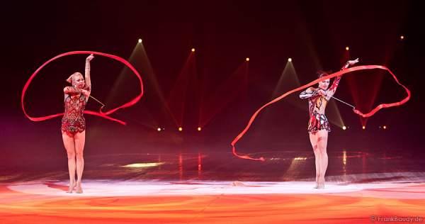 Magdalena Brzeska und Galina Sauchyts bei Holiday on Ice - Energia