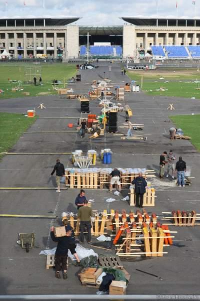 Der Aufbau beim Feuerwerk-World-Championat Pyronale 2009 - Maifeld am Olympiastadion Berlin