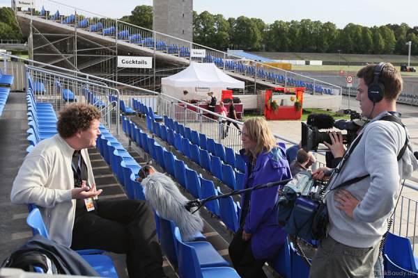 Markus Katterle von FlashArt beim Interview für eine TV-Dokumentation während dem Feuerwerk-World-Championat Pyronale 2009