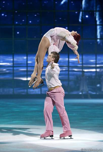 Daria Perminova & Evgeny Belyanin bei Holiday on Ice - Tropicana