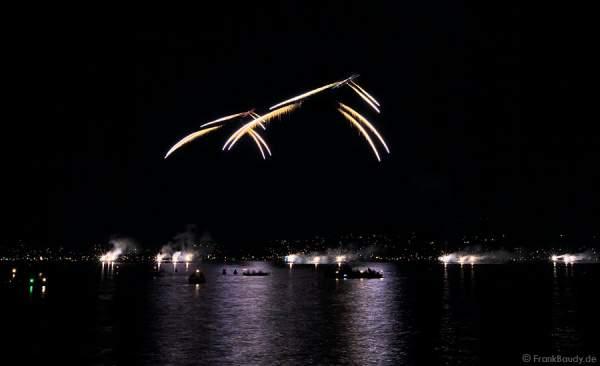 Feuerwerk mit 2 Helikoptern beim Züri Fäscht 2010