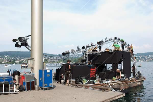 Die Vorbereitungen des Seeungeheuer beim Züri Fäscht 2010