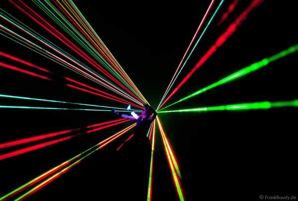 Lasereffekte bei Felsenmeer in Flammen