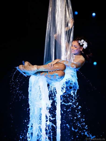 Jana Ina bei Holiday on Ice - Festival