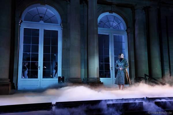 Lucy Scherer beim Preview des neuen Stage Entertainment Musicals REBECCA auf dem Schlossplatz in Stuttgart