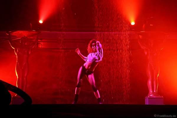 Wassertanz und Wassershow zur Filmmusik aus Flashdance bei Dancing Las Vegas von DJ Bobo – Weltpremiere
