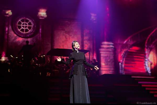 Pia Douwes in REBECCA bei Best of Musical Gala
