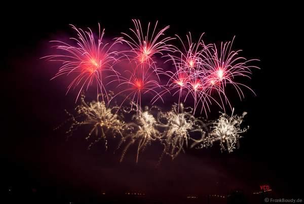 Feuerwerk bei der Sonnwendfeier Oensingen 2012 in der Schweiz
