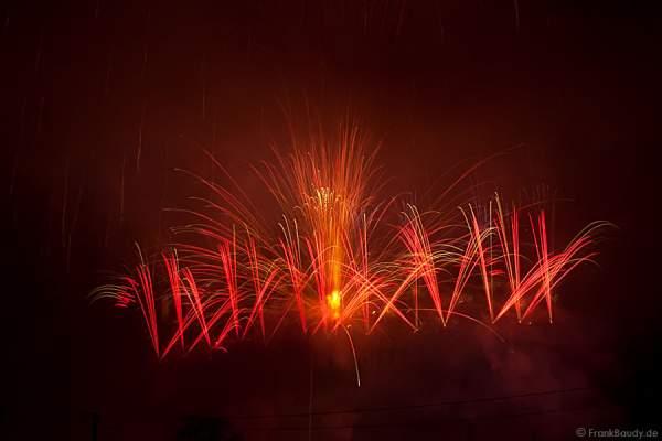 Die Explosion der 600mm Bombe im Rohr beim Abschuss - Unfall Feuerwerk Sonnwendfeier Oensingen 2012
