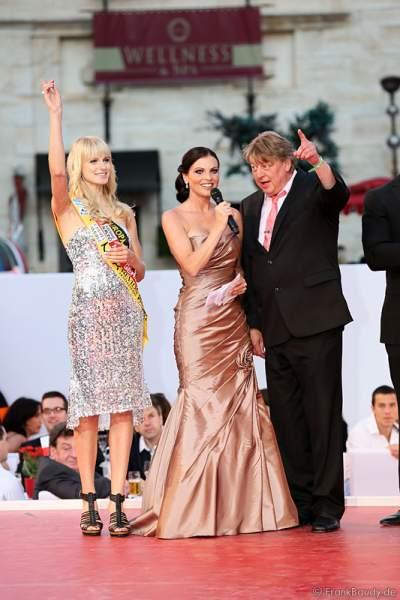 Miss Germany 2011 - Anne-Kathrin Kosch, Alexandra Philipps und Walter Freiwald bei der Miss EM 2012 Wahl