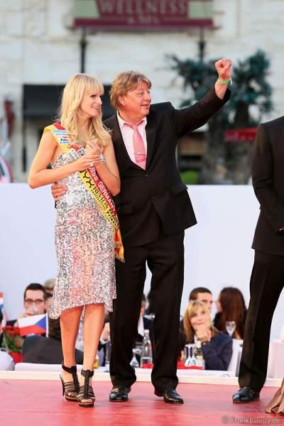 Miss Germany 2011 - Anne-Kathrin Kosch und Walter Freiwald bei der Miss EM 2012 Wahl