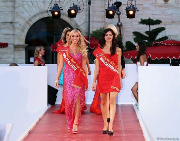 Patricia Griotto und Rashmi Sharma bei der Miss EM 2012 Wahl im Europa-Park