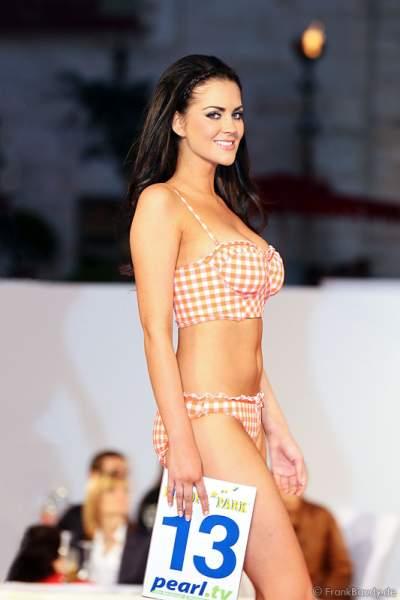 Samantha Woolley im Bikini bei der Miss EM 2012 Wahl im Europa-Park