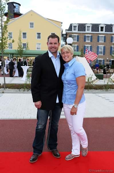 Speerwerferin Christina Obergföll und Boris Henry  bei der Eröffnung des neuen 4-Sterne Superior Hotels Bell Rock im Europa-Park am 12. Juli 2012