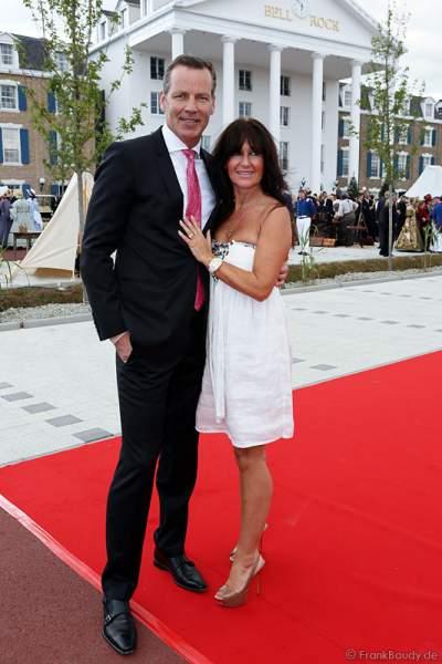 Boxweltmeister Henry Maske und Ehefrau Manuela Maske  bei der Eröffnung des neuen 4-Sterne Superior Hotels Bell Rock im Europa-Park am 12. Juli 2012