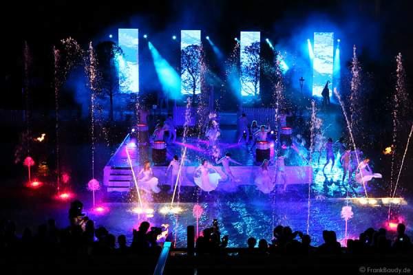 Wassershow mit Künstlern bei der Eröffnung des neuen 4-Sterne Superior Hotels Bell Rock im Europa-Park am 12. Juli 2012