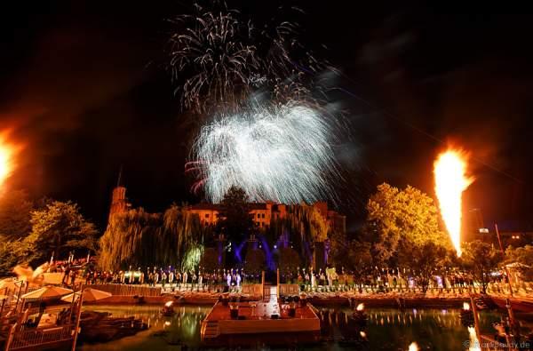 Feuerwerk bei der Eröffnung des neuen 4-Sterne Superior Hotels Bell Rock im Europa-Park