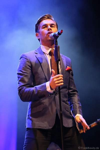 Mike Crawshaw beim Konzert mit The Overtones am 18. Februar 2013 in der Jahrhunderthalle Frankfurt