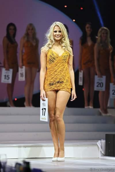 Caroline Noeding im Badekleid- Miss Germany 2013