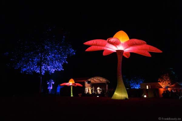 Leuchtende Skulpturen beim Sommerfest 2013 im Golf Club St. Leon-Rot