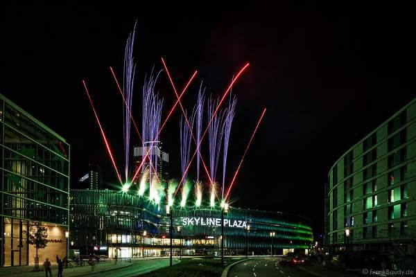 Feuerwerk Eröffnungsfeier Skyline Plaza im Europaviertel-Frankfurt 2013