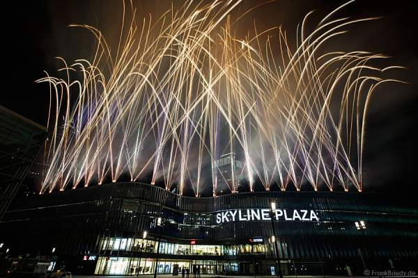 Feuerwerk Eröffnungsfeier Skyline Plaza Frankfurt