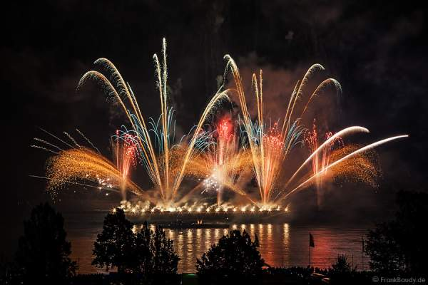 Pyrospektakel LIGHTPULSE bei Rhein in Flammen