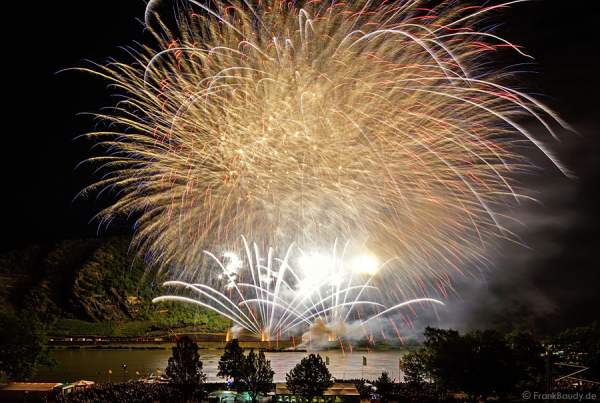 Pyrospektakel LIGHTPULSE bei Rhein in Flammen