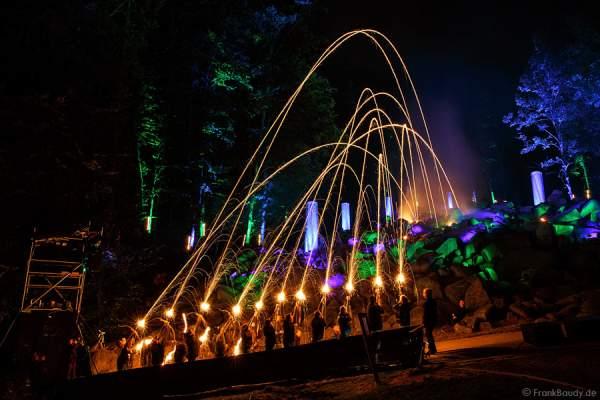 Feuerpfeile des Pfeil-und Bogen-Club Bürstadt 1995 e. V. bei Felsenmeer in Flammen 2013