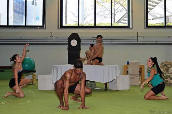Das Ensemble des Musicals Tarzan in Stuttgart bei den Proben