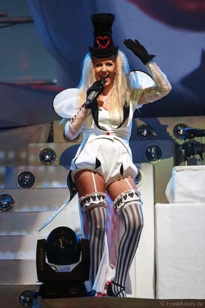 Nancy Baumann bei Weltpremiere der Show CIRCUS von DJ BoBo