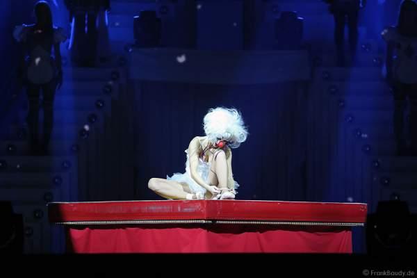 Balletttänzerin bei der Weltpremiere der Show CIRCUS von DJ BoBo