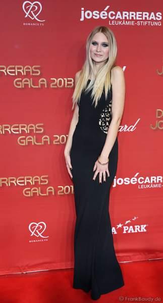 Carolin Niemczyk von Glasperlenspiel bei der José Carreras Spendengala 2013 im Europa-Park