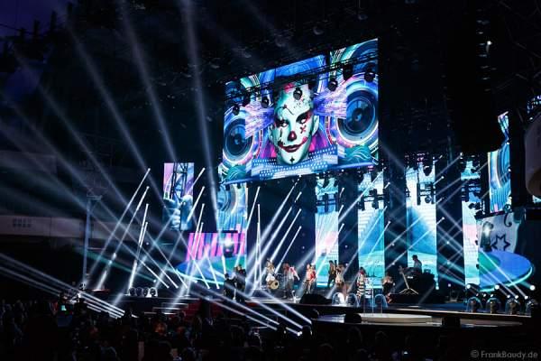 DJ Bobo mit Circus beim PRG Live Entertainment Award (LEA) 2014 in der Festhalle Frankfurt