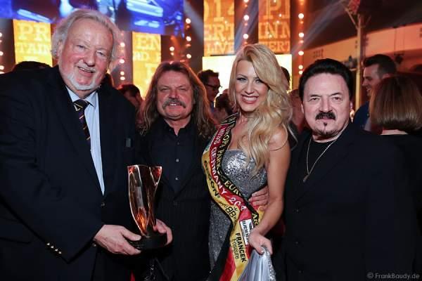 Hans Werner Funke, Leslie Mandoki, Miss Germany 2014 Vivien Konca und Bobby Kimball beim PRG LEA 2014 - Live Entertainment Award