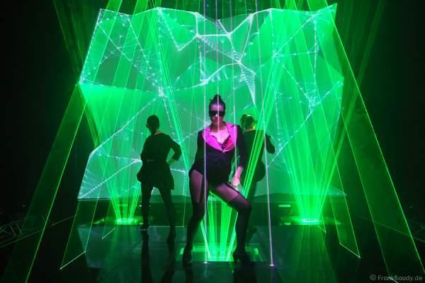 A01_Lasershow der Firma Kvant mit Laser Cabaret auf der Prolight + Sound 2014