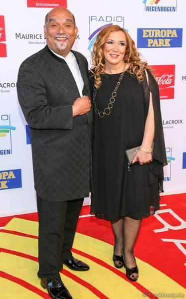Freddy Sahin-Scholl und seine Frau Jasmin Sahin-Scholl beim Radio Regenbogen Award 2014 im Europa-Park