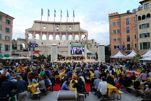 Miss WM 2014 Wahl im Innenhof/Piazza des Hotels Colosseo - Europa-Park Rust