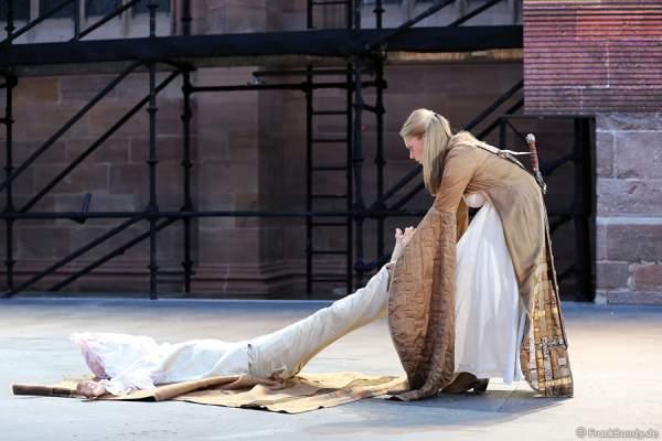 Charlotte Puder als Kriemhild