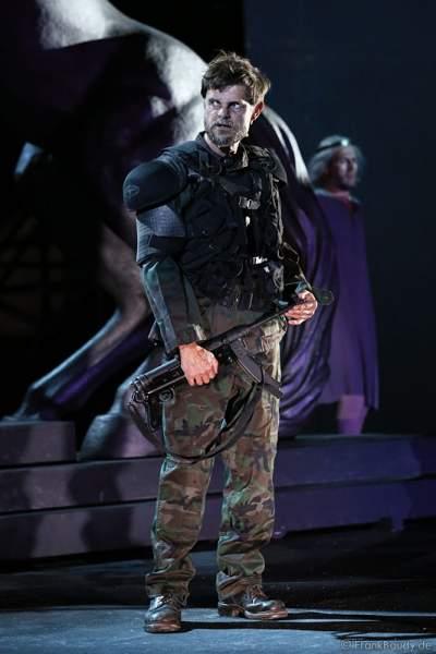 Lars Rudolph als Hagen