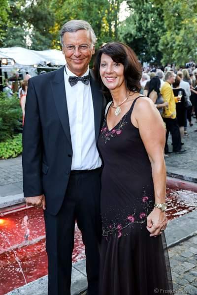Wolfgang Bosbach mit Frau Sabine bei den Nibelungen-Festspiele 2014, born this way