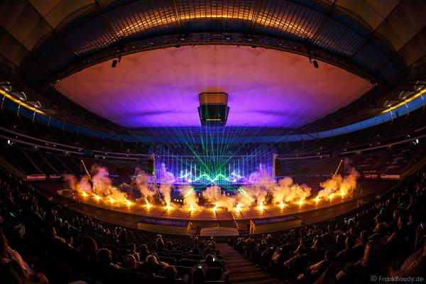 Wasserspektakel AQUANARIO 2014 in der Commerzbank-Arena in Frankfurt