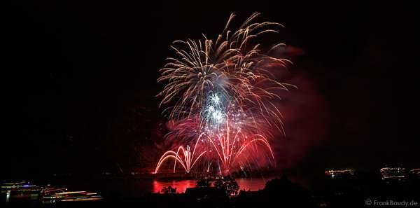 Feuerwerk Gravity bei Rhein in Flammen 2014 in Oberwesel